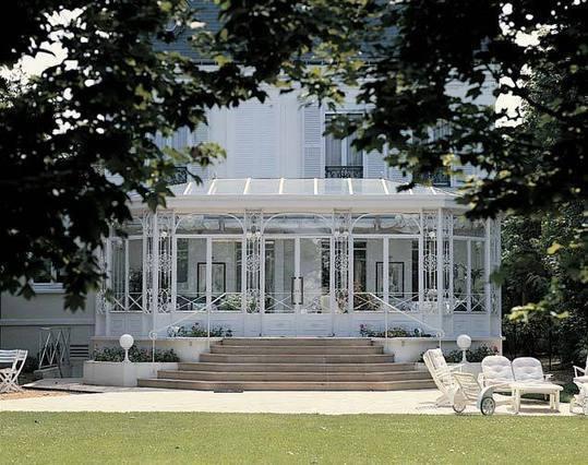veranda en fer forg et acier veranda. Black Bedroom Furniture Sets. Home Design Ideas