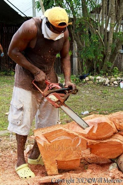 Belize wood carvers are very talented turning wooden stumps into works of art | Belize in Photos and Videos | Scoop.it