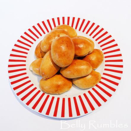 Pīrāgi, Latvian Bacon Buns Recipe | Belly Rumbles | Latvian cuisine | Scoop.it