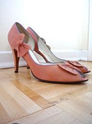 Heels & Pumps in Shoes - Etsy Women | fashion shoes | Scoop.it
