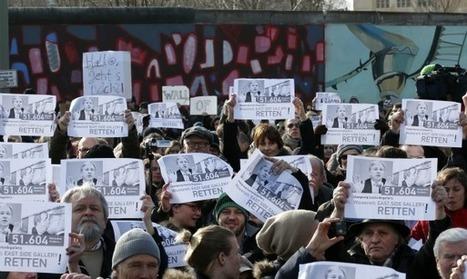 Les Inrocks - Les Berlinois défendent leur mur menacé | Union Européenne, une construction dans la tourmente | Scoop.it