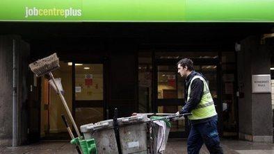 UK unemployment rate drops to 7.1% | Royal Russell Economics Unit 2 Macro Economics | Scoop.it