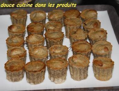 Mini bouchées de far, oignon de Roscoff, andouille de Guémené   - douce cuisine dans les nuages | AOP | Scoop.it