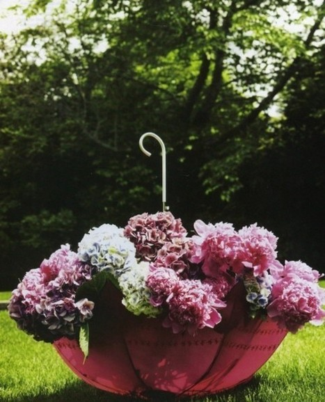 Lovely Flower Planter Using an Old Umbrella | DIY Craft Ideas For The Home | Scoop.it