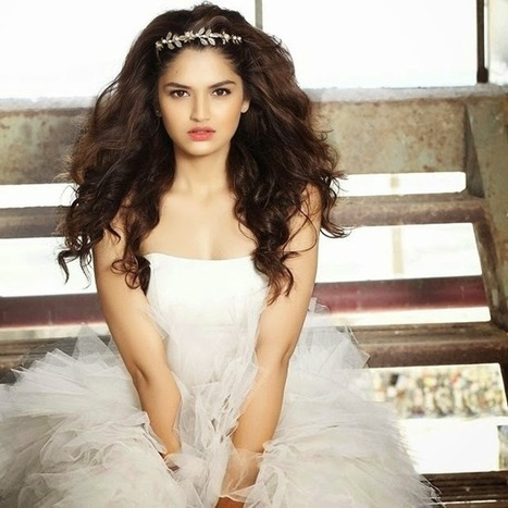 Tara Alisha Berry Latest Pictures, Stylish Dress collection for Modern Girls of India IndianRamp.com, Actress, Tollywood, Western Dresses | Indian Fashion Updates | Scoop.it