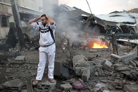 The Terrifying Sounds of the Bombs in Gaza at Night | S'emplir du monde... | Scoop.it