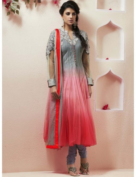 Salwar Kameez They make a woman look feminine and fabulous all at the same time | Online Shopping India | Scoop.it