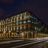 Les néons de François Morellet encerclent le Palais royal pour... trois ans   ART, His Story are Culture for ALL   Scoop.it
