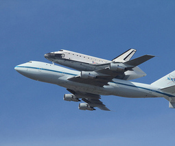 Space shuttle Endeavour's final journey across the US captured in stunning timelapse | Remarkable technology | Scoop.it