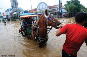 Number of Jakarta flood evacuees rises to 1545, says disaster body - AsiaOne | Scoop Indonesia | Scoop.it