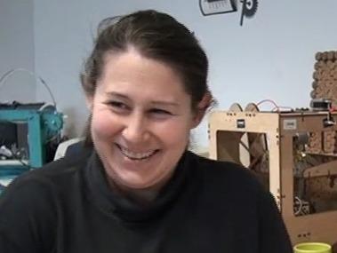 Chômeuse, Rafaela apprend et bricole hi tech dans un fablab - Rue89 | Fab Lab à l'université | Scoop.it