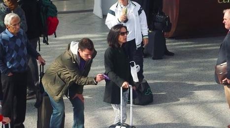 Milka piège les passants à Gare de Lyon avec un pick-pocket... qui remplit les poches !   streetmarketing   Scoop.it