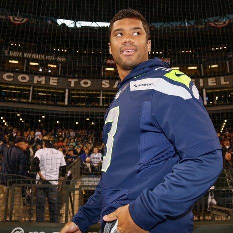 Wilson, Peyton Lead NFLPI Sales List - Bleacher Report | james starks | Scoop.it
