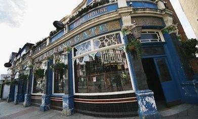 Can the UK's 'toilet circuit' of small music venues survive? | creative title | Scoop.it
