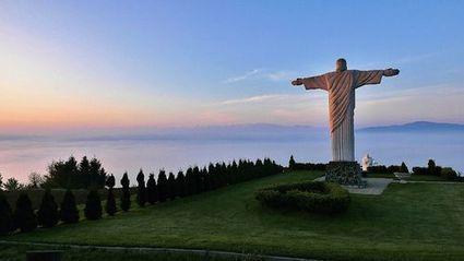 Za sochou Krista nemusíš cestovať do Ria. Jej presnú kópiu máme aj na Slovensku | Správy Výveska | Scoop.it