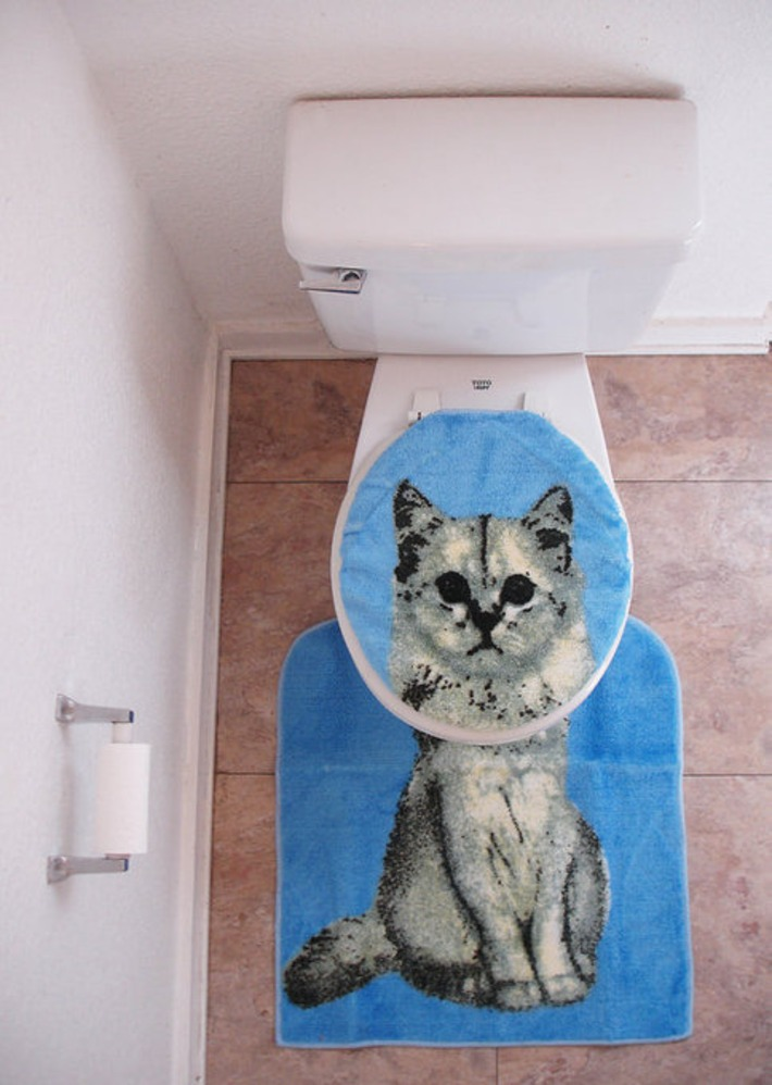 Cat Toilet Seat Lid Cover Bathroom Rug Set amazing 1992 1990 vintage blue dead stock new | Kitsch | Scoop.it