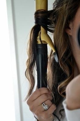 29 Hairstyling Hacks Every Girl Should Know | Vlasy, kozmetika, beauty | Scoop.it