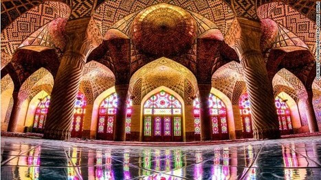 Incredible images capture dazzling symmetry of Iran's mosques | Walkerteach History | Scoop.it