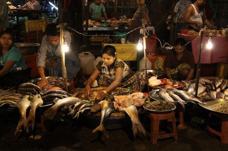 Around roadside market in Yangon - Myanmar Tours   Travel News   Scoop.it