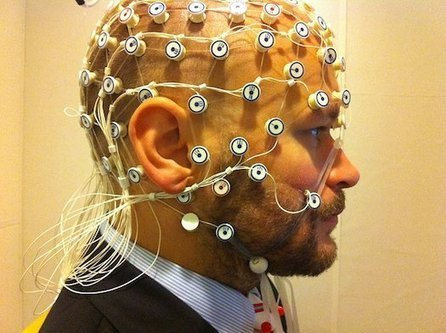 Use Your Body's Electrical Field To Uniquely Identify Yourself | Weird Science | Scoop.it