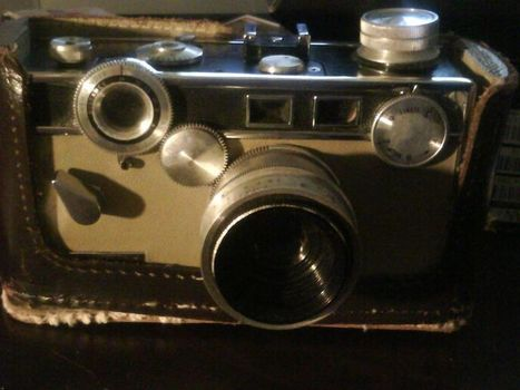 1950's VINTAGE ARGUS CAMERA W/ CASE - VERY LOW GIN | Antiques & Vintage Collectibles | Scoop.it