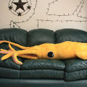 How to make your own 8-foot giant squid pillow: http://j.mp/165ZqqB - via @thinkgeek | Self Reliance | Scoop.it