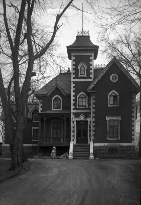 Maison Frederick Thomas Judah (1980, rue Dorchester Ouest - devenu boulevard René-Lévesque), 4 octobre 1945   Photos ancestrales de Montréal   Scoop.it