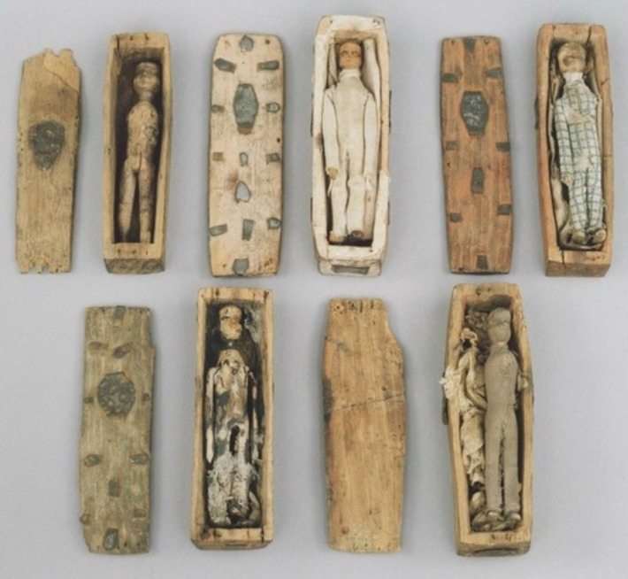 Edinburgh's Mysterious Miniature Coffins | Nerdy Needs | Scoop.it