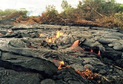 Breakaway lava slithers near empty Hawaii facility | Sustain Our Earth | Scoop.it