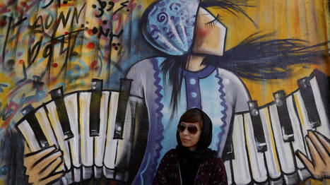 Afghan woman risks all to bring color to war-torn Kabul with her street art and feminist murals | enjoy yourself | Scoop.it
