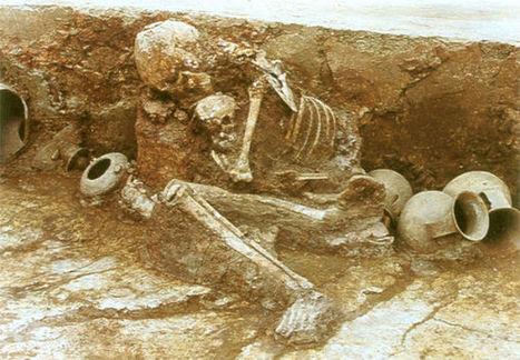 Arqueólogos hallan en China esqueletos abrazados de madre e hijo | Soft skills in labour market | Scoop.it