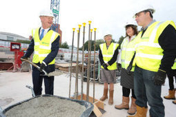UK Science Minister Pours Concrete for National Graphene Institute at University of Manchester | Science, research and innovation news | Scoop.it