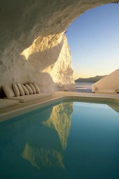 Twitter / Earth_Pics: Natural Pool, Santorini, Greece. ... | Greece | Scoop.it