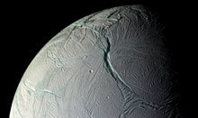 Enceladus: home of alien lifeforms? Plumes of ice particles, water vapor and organic compounds | Amazing Science | Scoop.it
