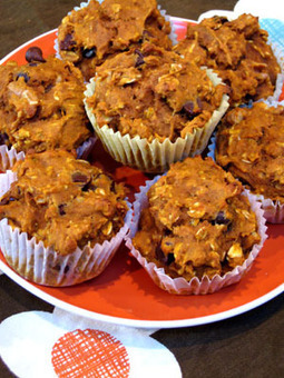 Healthy Recipe: Oatmeal, Dark Chocolate Chip Pumpkin Muffins | Catering, Food Baskets, Delicatessan, Parties, Weddings | Scoop.it