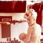 Pink allaite sa fille sur Twitter | Autour de la puériculture, des parents et leurs bébés | Scoop.it