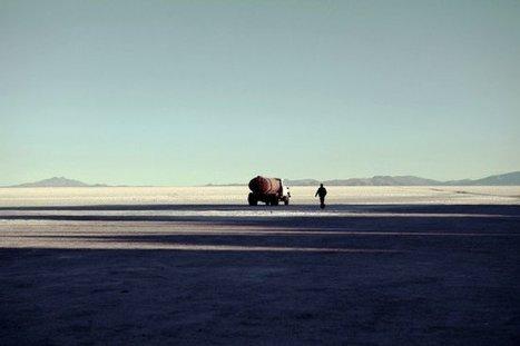 Camion citerne, Salar de Uyuni, photographie de la semaine sur La Galerie Virtuelle   Photographie d'art   Scoop.it