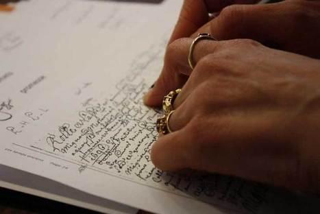 Scellé du grand sceau de cire jaune | Chroniques d'antan et d'ailleurs | Rhit Genealogie | Scoop.it