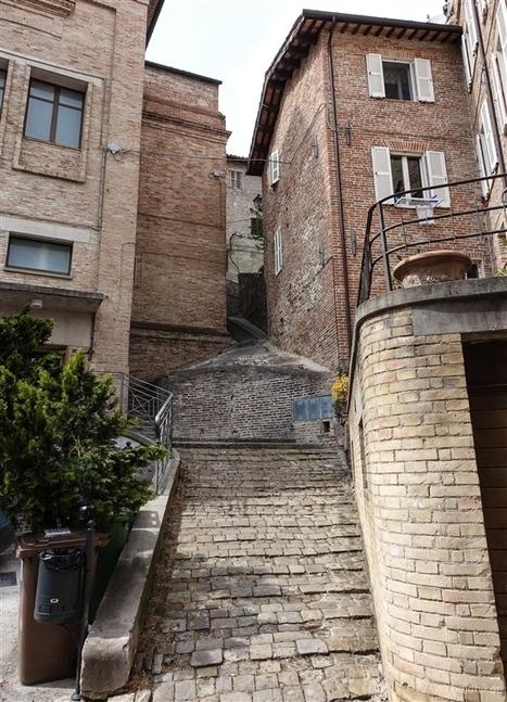 Amandola - Gateway To The Sibillini Mountains | BaldHiker | Hideaway Le Marche | Scoop.it