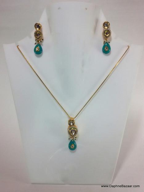 Indian Kundan Jewelry - Turquoise Shade Kundan Pendant and Earrings | Kundan Jewelry | Scoop.it