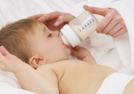 Breast feeding vs bottle feeding, the on going battle. - Kids Product Directory | Articles for students to read. | Scoop.it