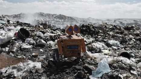 "The Bolivian teenager turning e-waste into robots (""wall E has found a kid partner"") 