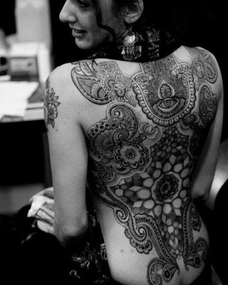 Quand le tatouage rejoint la haute-couture... Le résultat est visiblement bluffant ! | La mode intelligente | Scoop.it