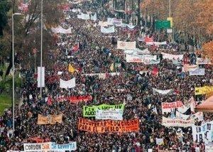 Manifestations étudiantes au Chili : néolibéralisme = éducation chère et pourrie | L'enseignement dans tous ses états. | Scoop.it
