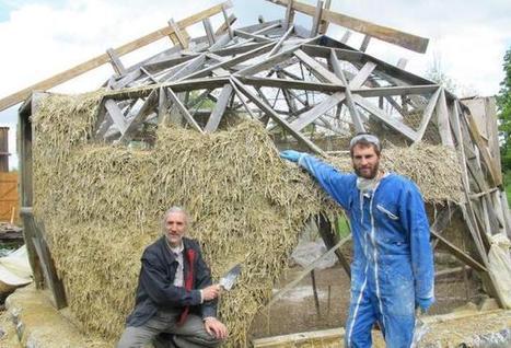 Une maison paille ronde 42 euros for Maison bois ronde tournante