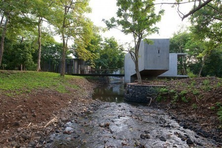 House on a Stream / Architecture BRIO | ArchDaily | architecture | Scoop.it