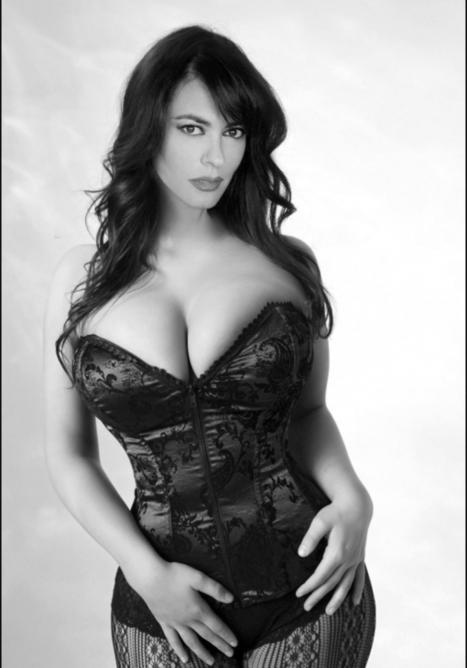 Hot cougar maria grazia Cucicnotta huge tits | Movie hotties | Scoop.it