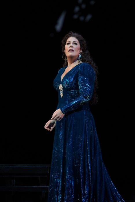 Metropolitan Opera Review-Norma: Sondra Radvanovsky is A Revelation as the Doomed Druid | OperaMania | Scoop.it