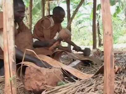 Les Baganda, makers ancestraux de tissus d'écorce en Ouganda | L'Etablisienne, un atelier pour créer, fabriquer, rénover, personnaliser... | Scoop.it