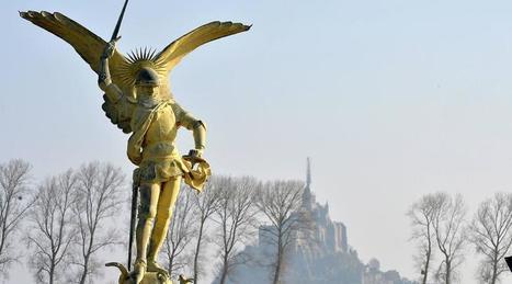 Mont-Saint-Michel. Direct : la dépose de l'archange est réussie !   Ma Bretagne   Scoop.it